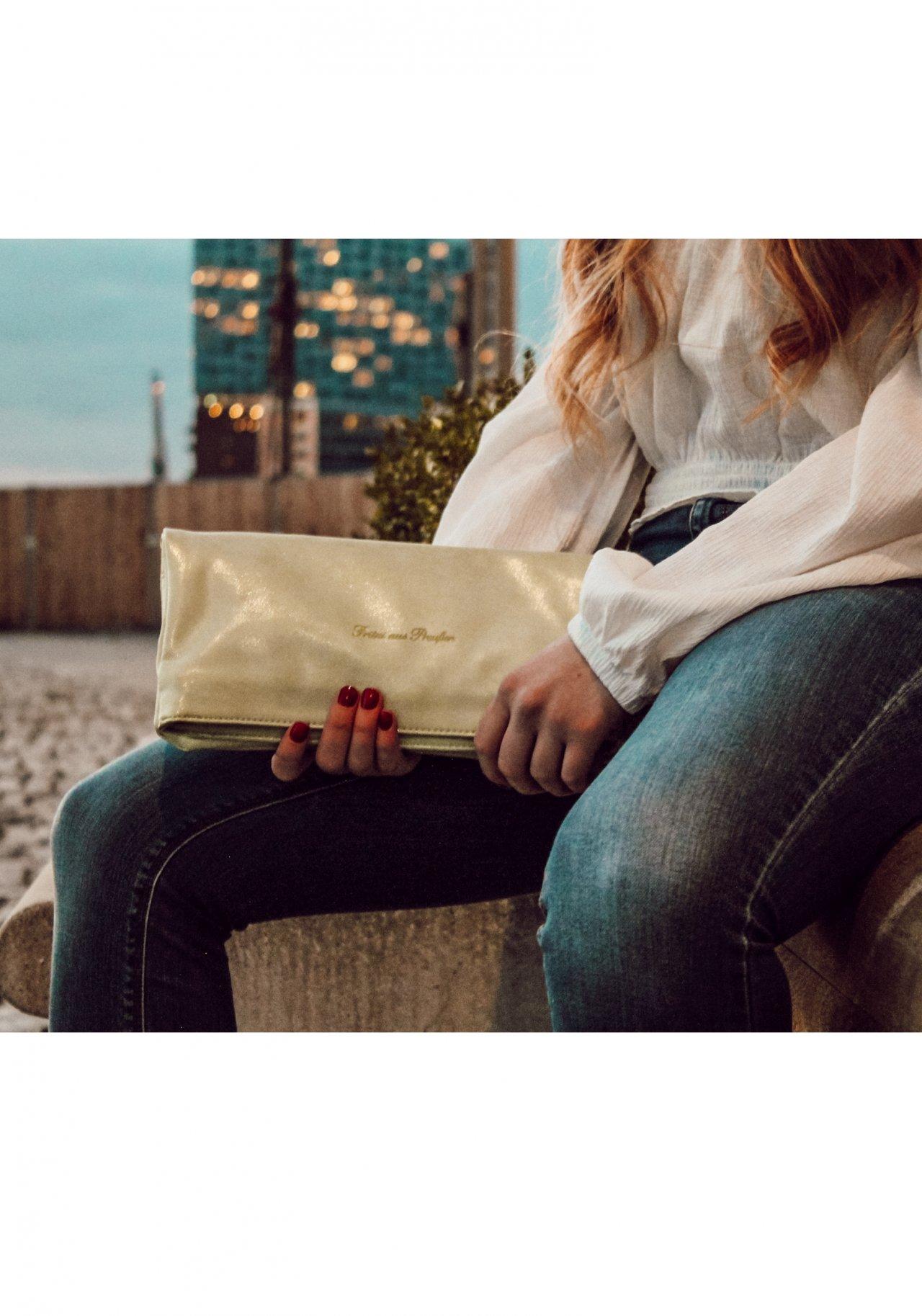 fritzi aus preu en ronja sidney mint clutch nur. Black Bedroom Furniture Sets. Home Design Ideas